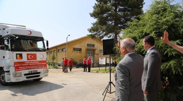 Türk Kızılayı'ndan Bosna'ya Yardım Tırı