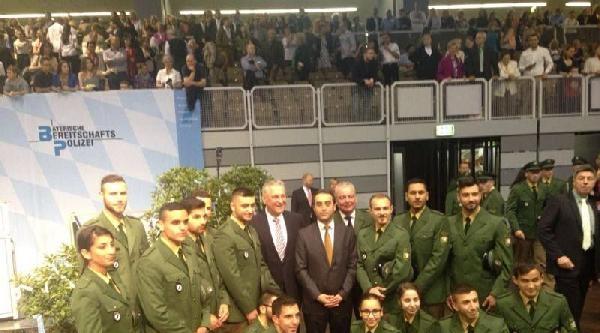 Türk Kökenli Polisler Nürnberg'deki Törende Yemin Etti