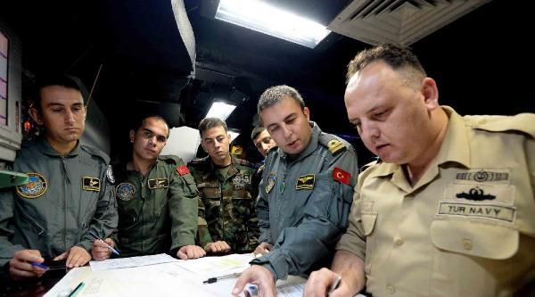 Türk Savaş Gemileri Aden Körfezi'ne Girdi, Haydutlar Ortadan Kayboldu