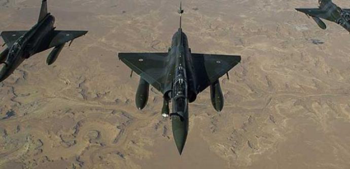 Türk savaş jetleri PKK kampları üzerinde!