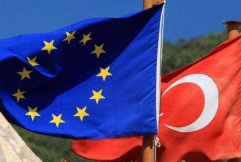 Türk vatandaşlara vizesiz AB yolu açıldı!