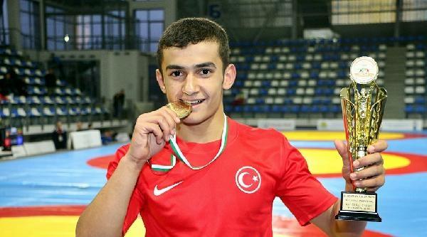 Türk Yıldız Güreşçilerden 1 Altın, 1 Bronz