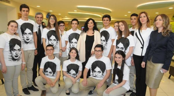 Türkan Şoray 'yılın Annesi' Seçildi