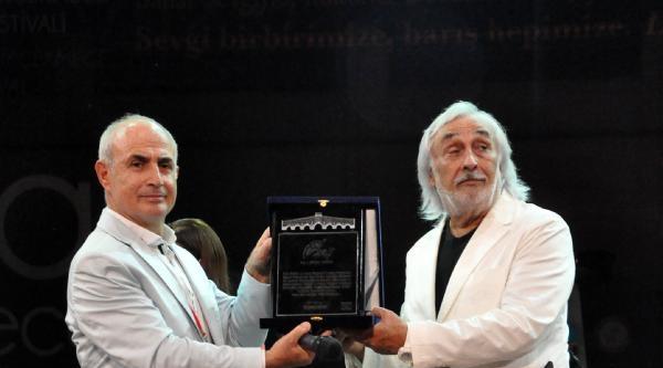 "Türkan Şoray'a ""yaşam Boyu Sevgi Ödülü"""