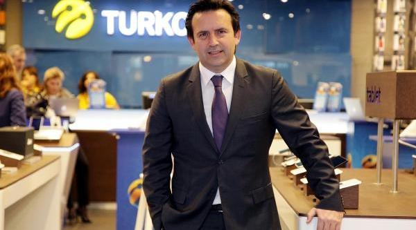 Turkcell'in Istanbul Dişindaki Ilk Mağazasi Antalya'da