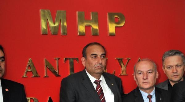 Türkeş: Akp'nin Türk Bayrağı İle İşi Olmaz
