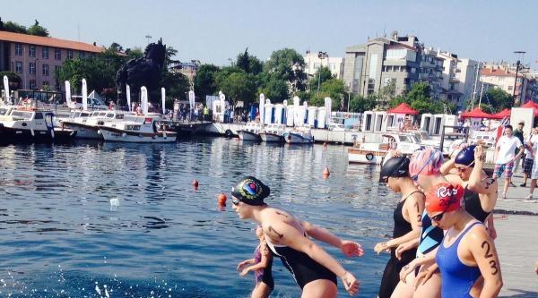 Türkiye Açık Su Yüzme Şampiyonasi Çekişmeli Geçti