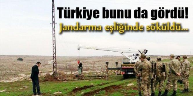 Türkiye bunu da gördü! Jandarma eşliğinde söküldü...