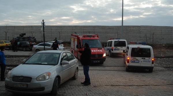 Türkiye Sinirinda Carablus'daki Patlamada Çok Sayida Suriyeli Yaralandi (2)