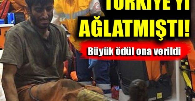 Türkiye'yi ağlatmıştı! Büyük ödül ona verildi