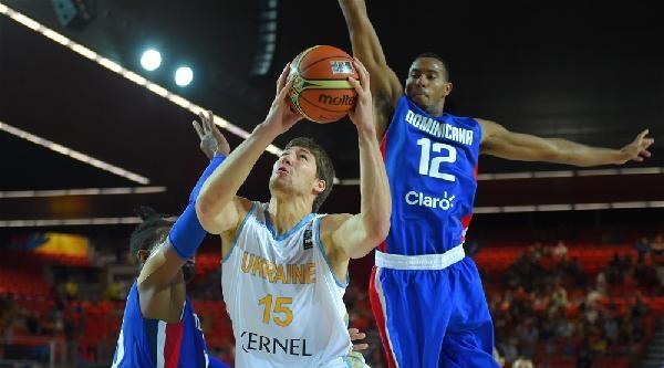 Türkiye'nin Bulunduğu C Grubu Açılış Maçında Ukrayna, Dominik Cumhuriyeti'ni 72 - 62 Yendi