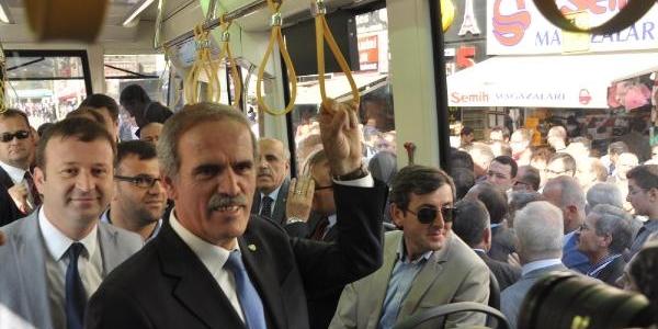 Türkiye'nin Ilk Yerli Tramvayi 'ipekböceği' Seferlere Başladi