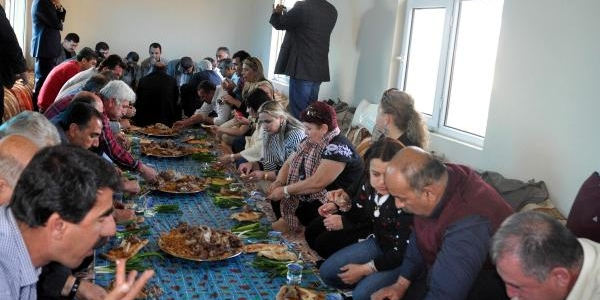 Türkiye'Nin Muhtarlari, Mardin'de Bariş Sofrasinda Buluştu