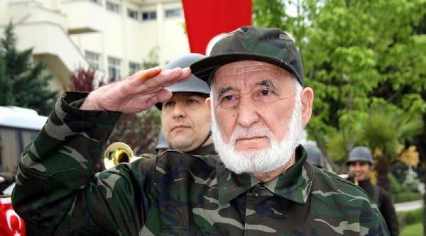 Türkiye'nin Sembolik  'en Yaşlı Askeri' 85 Yaşındaki Yaşamını Yitirdi