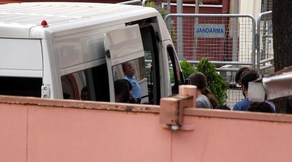Tutuklanan 8 Polis Paşakapısı Cezaevi'ne Getirildi