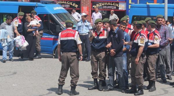 Tutuklanan Anneleriyle Cezaevine Böyle Gittiler