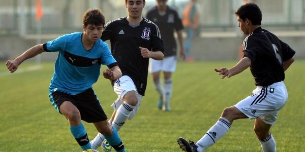 U14 Ve U15'lerde Bursaspor Beşiktaş'I Yendi