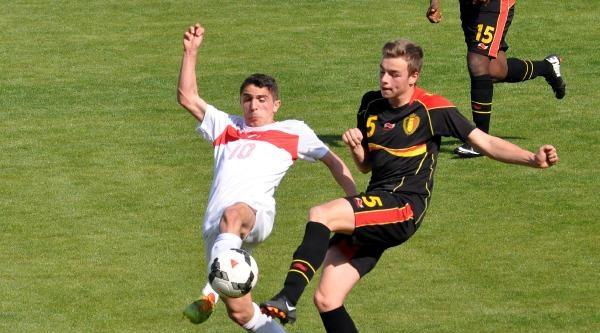 U-15 Futbol Takımı Özel Maçta Belçika'ya Yenildi