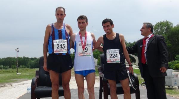 Üç Ülke Sporcularından 21 Kilometrelik Dostluk Maratonu