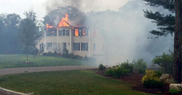 Uçak evin çatısına düştü: 3 ölü