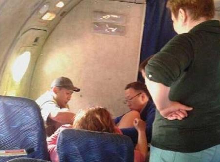 Uçakta inanılmaz anlar! Rus kadın çığlık atınca...