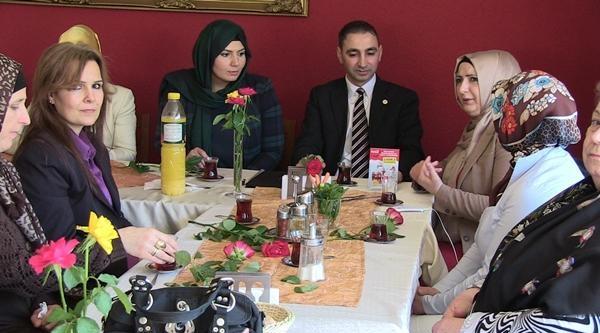 Uetd'den Kadınlara Özel Toplantı