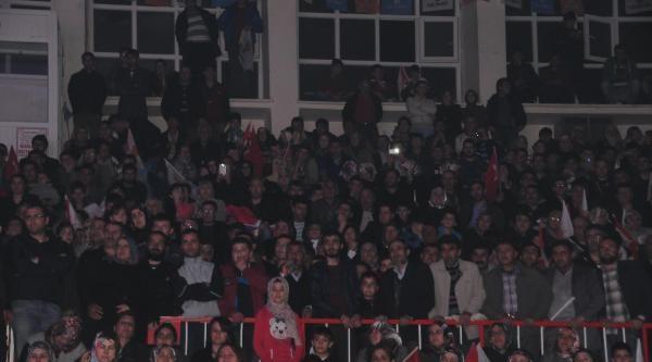 Uğur Işilak Nevşehir'de Konser Verdi