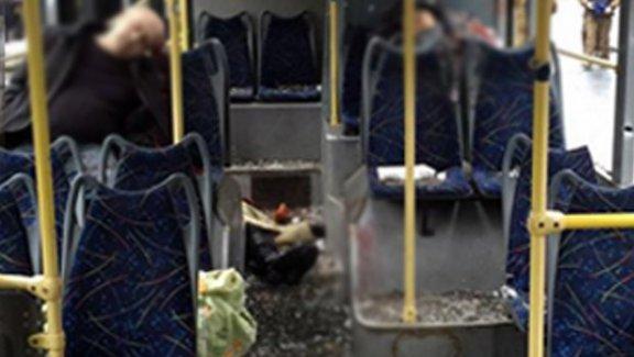 Ukrayna'da otobüs durağına isabet eden top mermisi 13 can aldı
