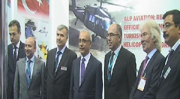 Ulaştırma, Denizcilik Ve Haberleşme Bakanı Elvan Ila'da Türk Standını Gezdi