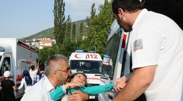 Uludağ Yolunda Midibüs Devrildi: 15 Yaralı - Ek Fotoğraf