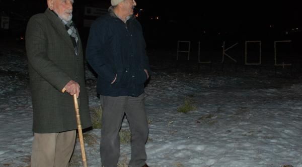 Uludağ'Da Coşkulu Yeni Yil Kutlamasi (Ek Fotoğraflari)
