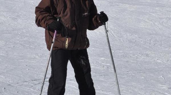 Uludağ'Da Kar Kalinliği 70 Santimetreye Düştü
