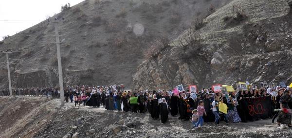 Uludereli Aileler, 'kadınlar Günü'nde Yürüdü