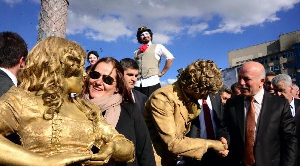 Uluslararası Dadaş Film Festivali 'canlı' Başladı
