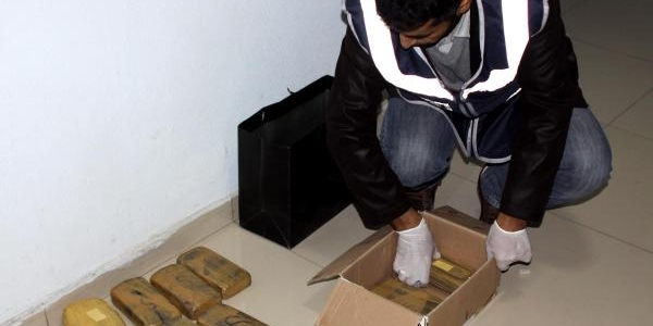 Uluslararasi Uyuşturucu Şebekesine 7 Tutuklama