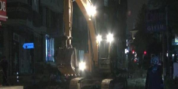 Ümraniye'De Elektrik Kaçaği Korkuttu