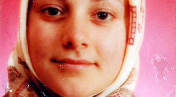 'umutsuz Aşk' Kurbani Kadinin Cenazesinde Gazetecilere Engelleme
