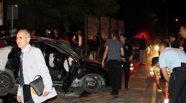 Üniversite Öğrencileri Kaza Yaptı: 1 Ölü, 4 Yaralı-ek Fotoğraflar