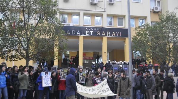 Üniversite Öğrencilerinden Gözaltındaki Arkadaşlarına Destek Yürüyüşü