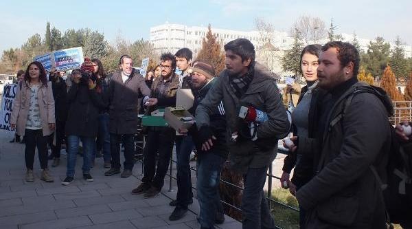 Üniversite Öğrencilerinden Yumurtali Protesto