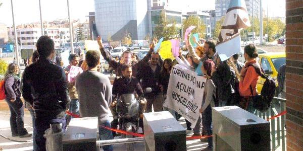 Üniversite Öğrencilerinin Turnike Protestosu