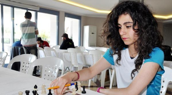 Üniversitelerarasi Satranç Şampiyonasi Sona Erdi