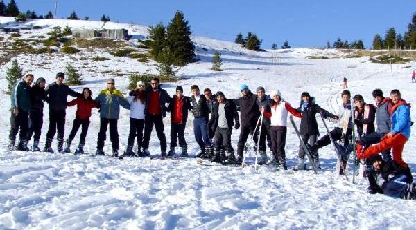 Üniversitelerin Ilgaz'da Uygulamali Kayak Dersi