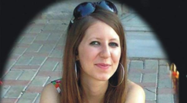 Üniversiteli Genç Kız Kavşak Kurbanı Oldu