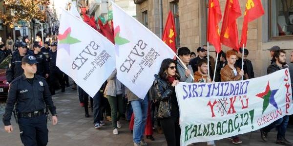 Üniversiteli Öğrenciler Yök'Ü Protesto Etti