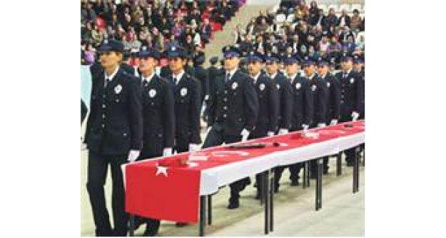 Üniversiteli yeni nesil polisler eğitime başladı