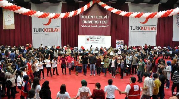 Üniversitelilerden Rekor Kan Bağışı
