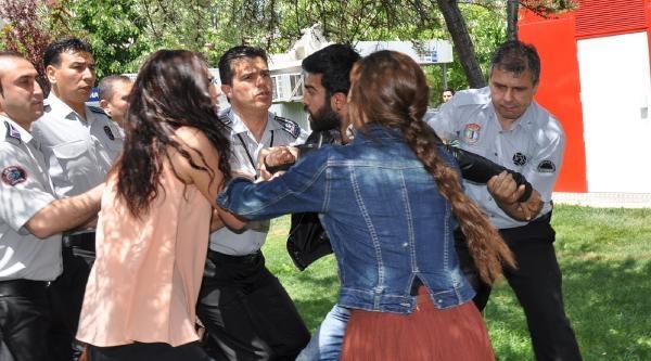 Üniversiteye Gelen Bakanları Protestoya Güvenlik Engeli
