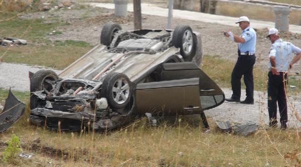 Üniversiteye Kayıt Yolunda Kaza: 3 Yaralı