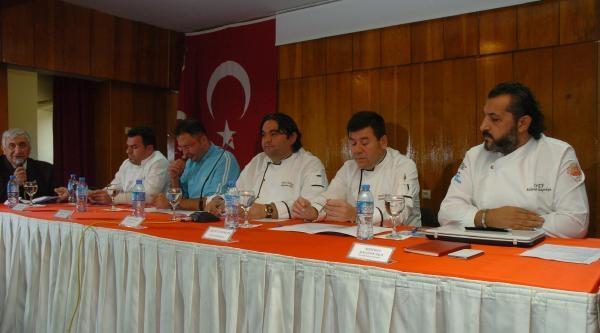 Ünlü Aşçilardan Türk Mutfağina Tanitim Eleştirisi
